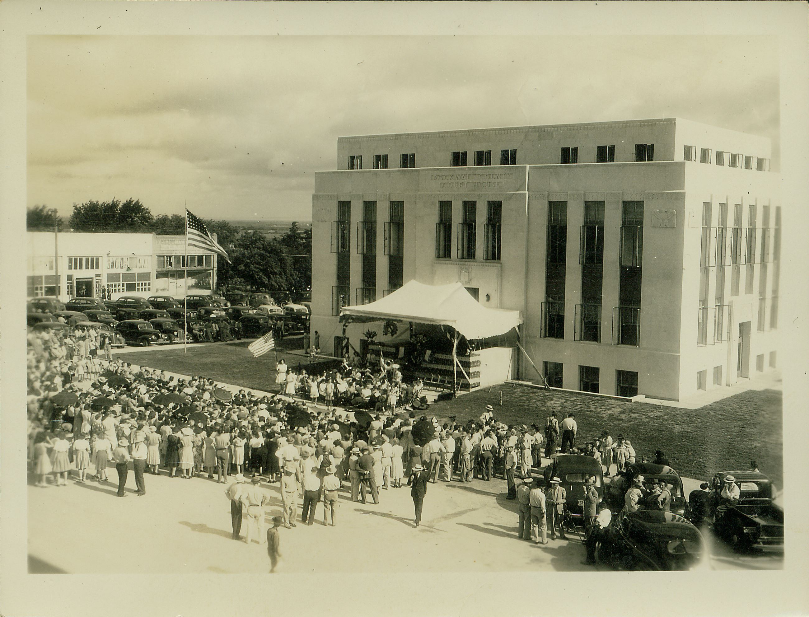 3 Dedication1941Courthouse